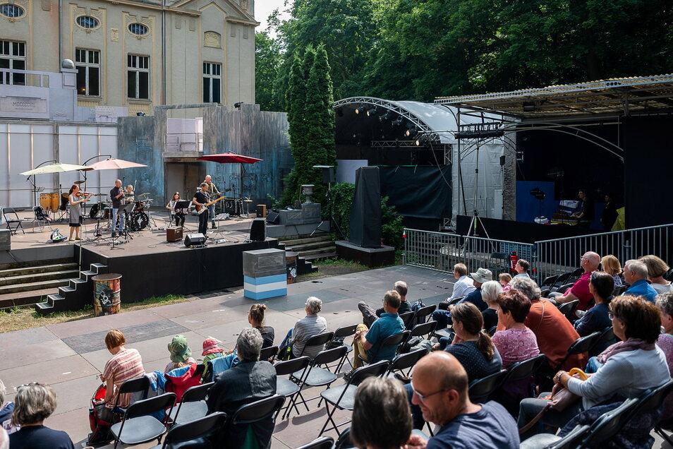 Die Normalität kehrt zurück - Veranstaltungen wie beim Viathea in Görlitz sind wieder möglich. Ans Impfen denken viele jetzt nicht mehr.