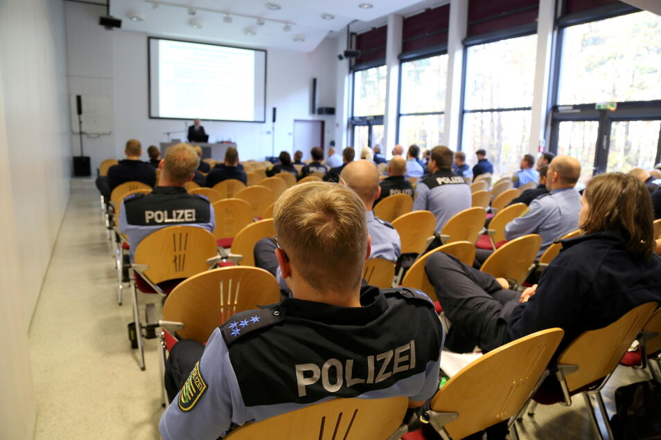Gut gefüllte Hörsäle gibt es an der Polizeihochschule in Rothenburg derzeit nicht. Der überwiegende Teil des Wissens wird online vermittelt.