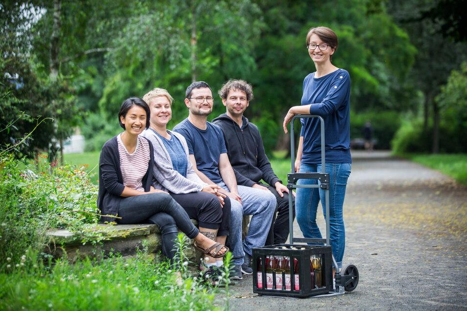 Die Kollegen vom Zickzack-Kollektiv haben keinen Chef und auch keine Chefin: Quynh Huong Ngo, Corinna Krell, Eduard Graf, André Lange (Kolle) und Anne Graf (v.l) arbeiten gleichberechtigt.