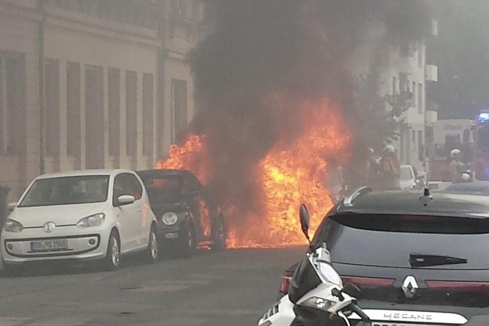 Der Dacia war nicht mehr zu retten.