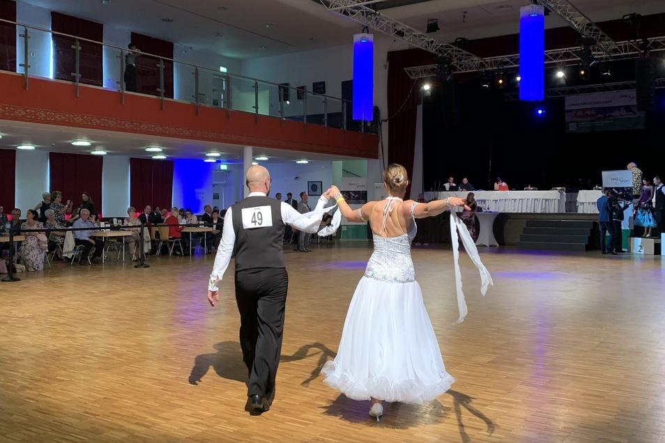 Schon als Kind tanzten Ronny Jeschke und Juliane Wittig, beide 1980 geboren. Beide hörten später auf. Bis Juliane Wittig wieder einen Tanzpartner suchte.