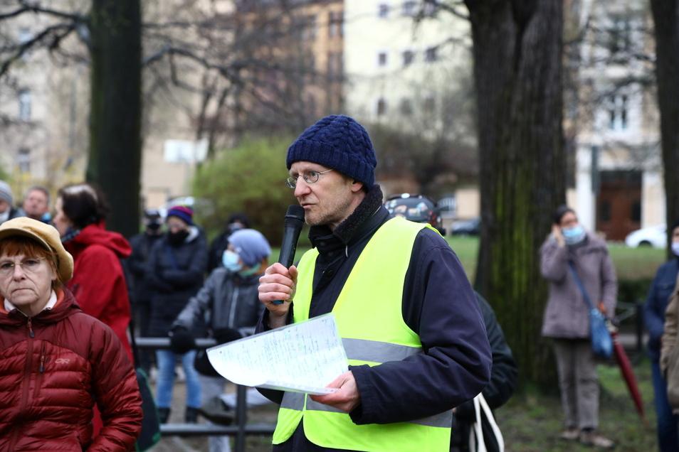 Jochen Stappenbeck, Autor, war einer der Redner auf dem Sechsstädteplatz.