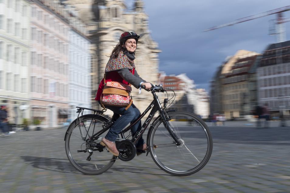 In Dresden fällt ein Verzicht aufs Auto leicht – allerdings nur, wenn die Kinder nicht dabei sind, sagt Mutter Nadine Kadic. Der finanzielle Vorteil ist groß.