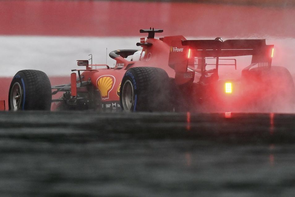 Der Ferrari von Sebastian Vettel war den Spitzenfahrern nicht gewachsen.