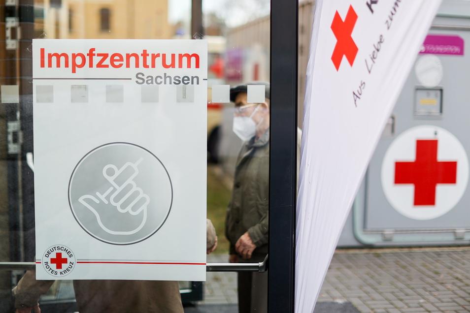 In Sachsen wird die Altersbeschränkung beim Astrazeneca-Impfstoff ab Mittwoch umgesetzt.