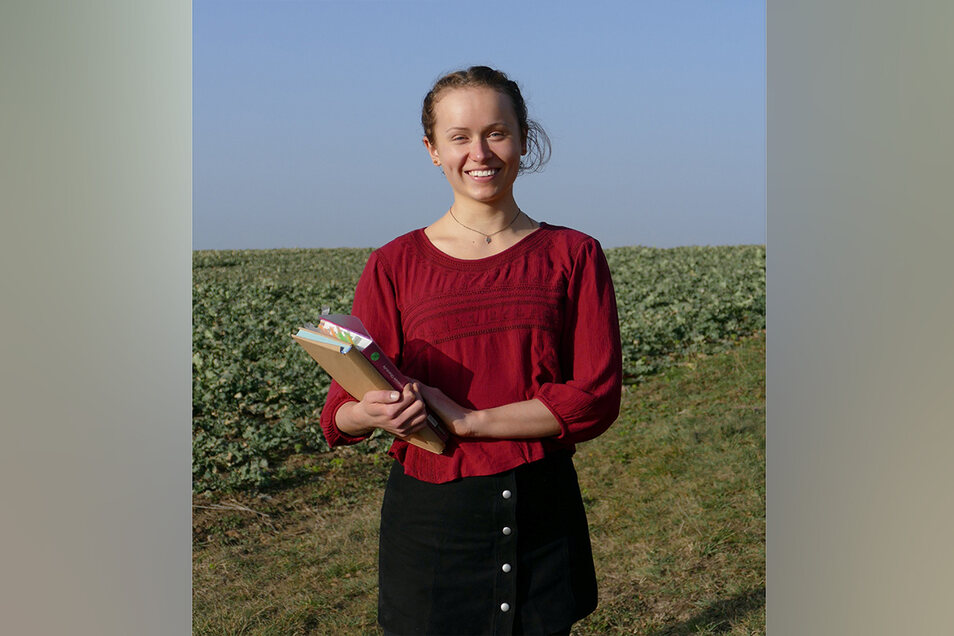 """Lara-Sophie Berger (17): """"Das Lernen Zuhause war gut, das Lernen in der Schule ist aber besser. Ich fühle mich bis jetzt gut vorbereitet. Durch den Wegfall der anderen Fächer kann ich mich ausschließlich auf meine Prüfungsfächer konzentrieren, das erleich"""