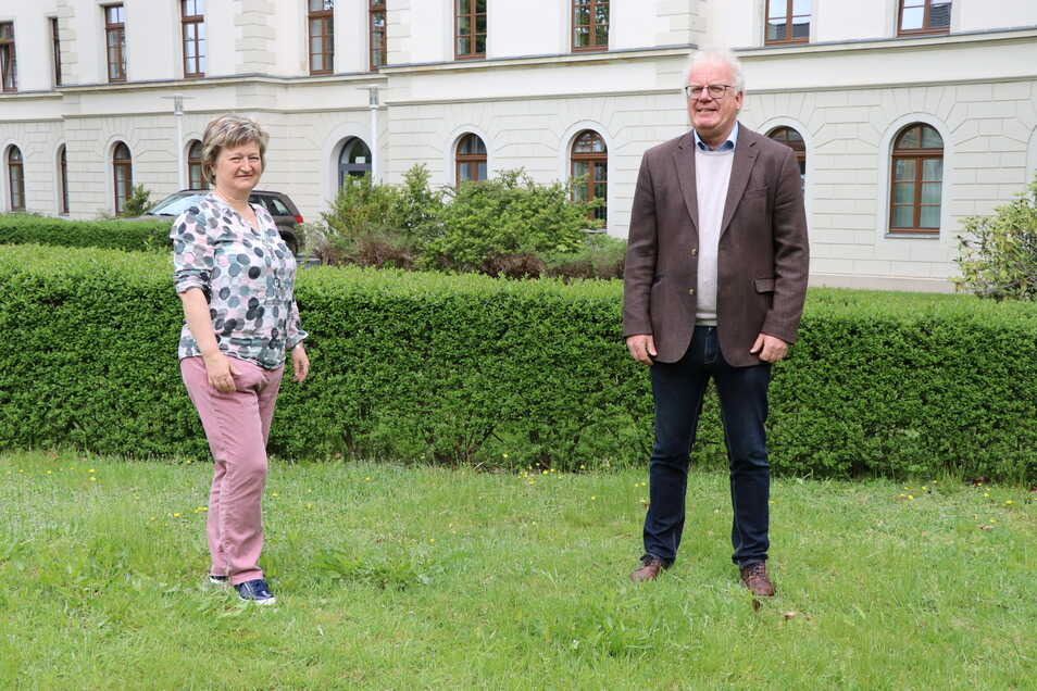 Eva Quoß und Günter Köster - neue Leiterin und scheidender Chef der Informations- und Servicestelle sowie Fachschule in Großenhain am Remonteplatz.