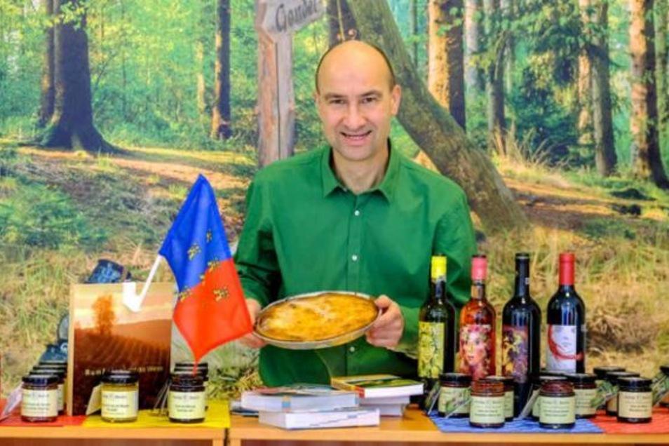 Heinrich Schmorrde präsentiert in seinem Geschäft Transilvanus in Radebeul Spezialitäten aus Siebenbürgen. Ab sofort auch im Online-Shop von ddv-lokal.de