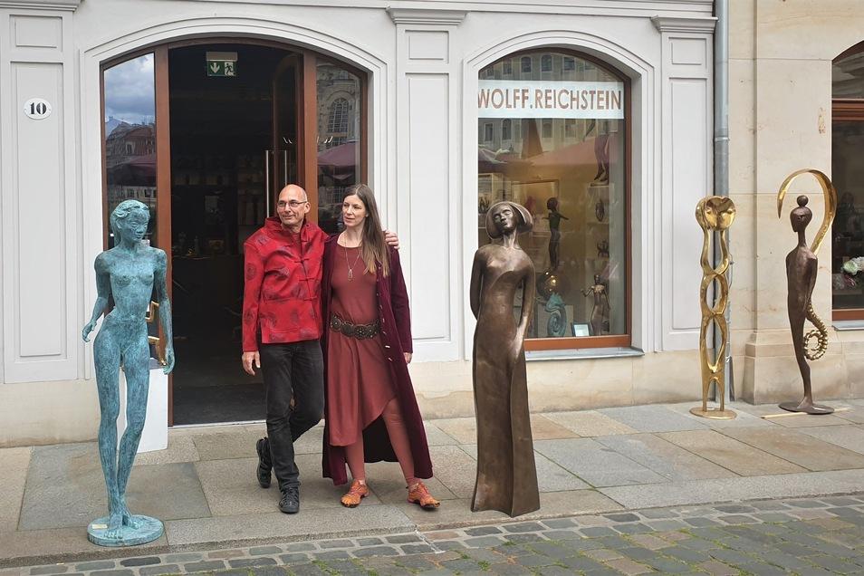 Thomas Reichstein und Doreen Wolff haben eine Galerie an einer Topadresse und stellen dort ihre mannshohen Skulpturen aus.