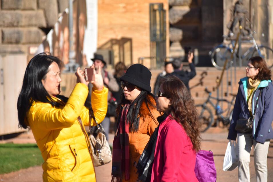 Asiatische Touristen in Dresden (Symbolbild)