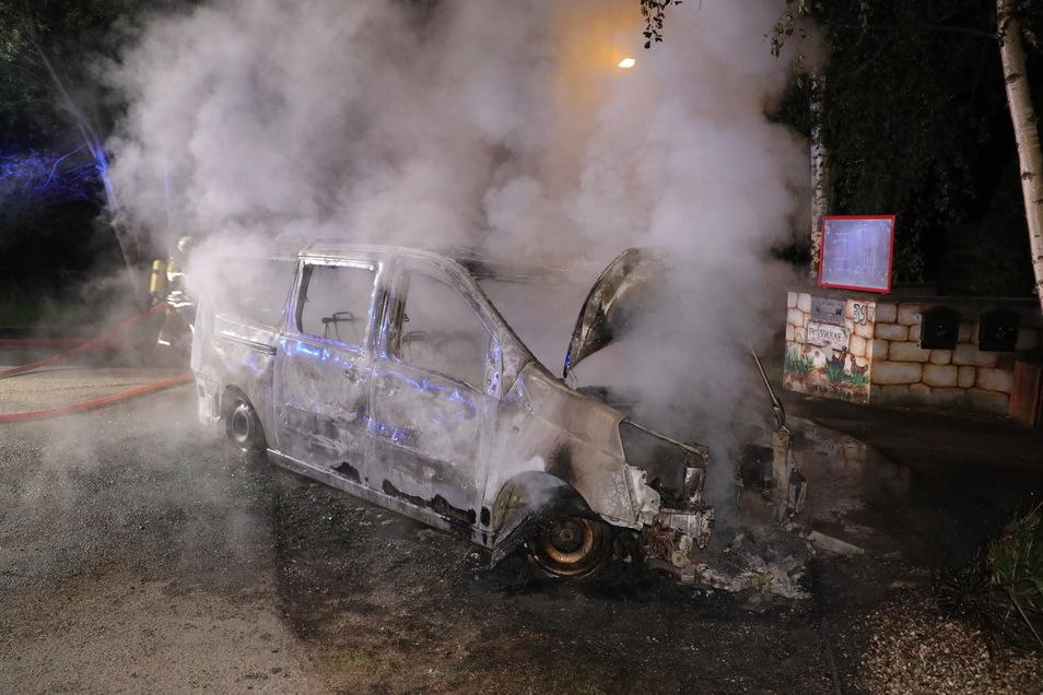 Das Auto war nicht mehr zu retten.