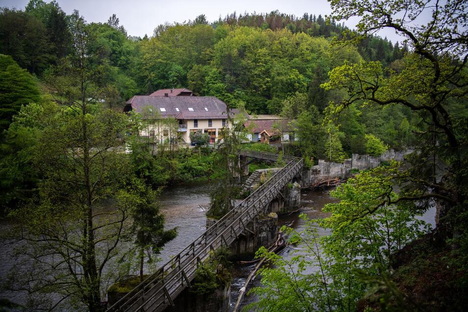 In dieser Pension in Passau wurden im Mai drei Leichen gefunden.