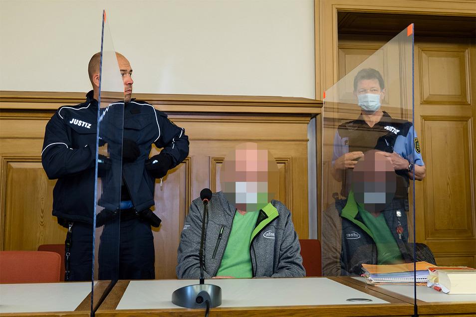 Ein Mann aus Pulsnitz hat seine Nachbarin brutal angegriffen. Wollte er sie töten? Jetzt musste er sich in Görlitz vor Gericht verantworten.
