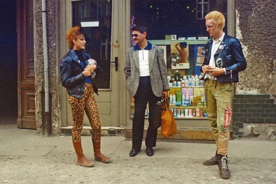 """DDR-Punks wie diesen beiden im Berlin des Jahres 1985 gilt Marko Martins besondere Sympathie. Weil sie es, anders als die Mehrheit der Musiker und Künstler, gewagt haben, """"dem Staat ... direkt entgegenzuschreien, was sie von all dem hielten""""."""