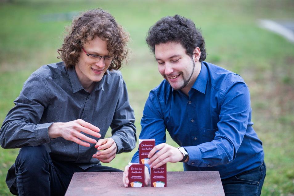 Jonas Meintschel (l.) und Philipp Hänicke wollen mit ihrem eigenen Kartenspiel durchstarten.