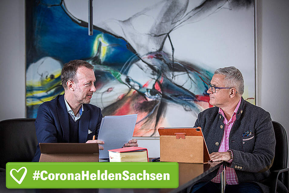 Täglich beraten sich die Steuerberater Steffen Schmidt (l.) und Hans-Joachim Kraatz über Unternehmen in existenzieller Not.