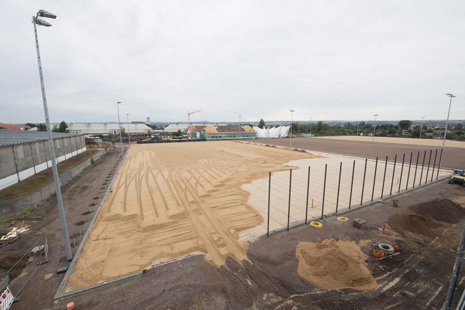 Das Dynamo-Trainingszentrum im Sportpark Ostra ist deutlich teurer geworden. Deshalb soll auch die Stadt mehr zahlen.