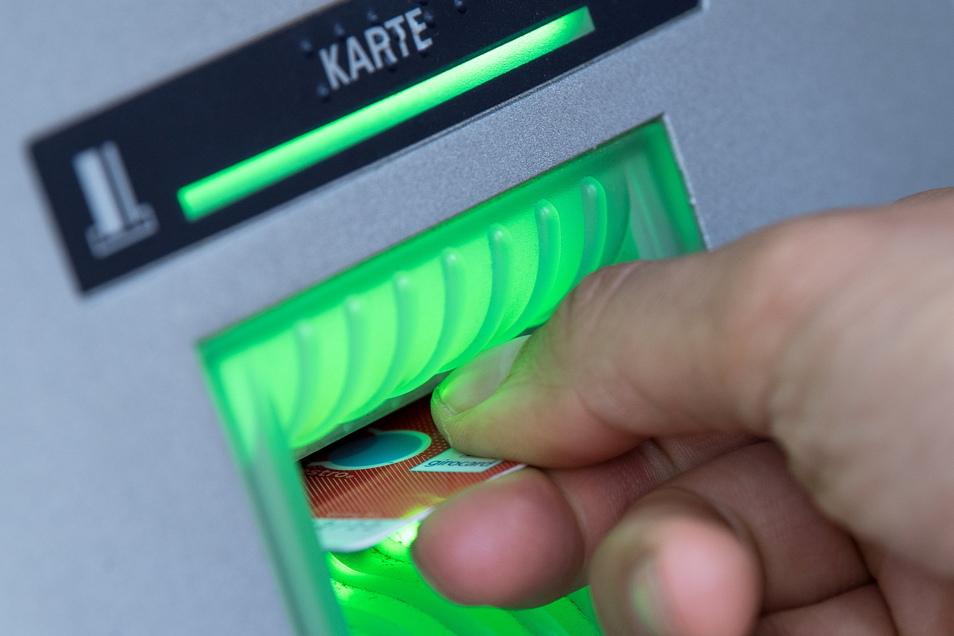 Laut der Stiftung Warentest gibt es in Deutschland aktuell 14 Konten, die ohne Bedingungen kostenlos sind. Vor einem Jahr waren es noch 20.