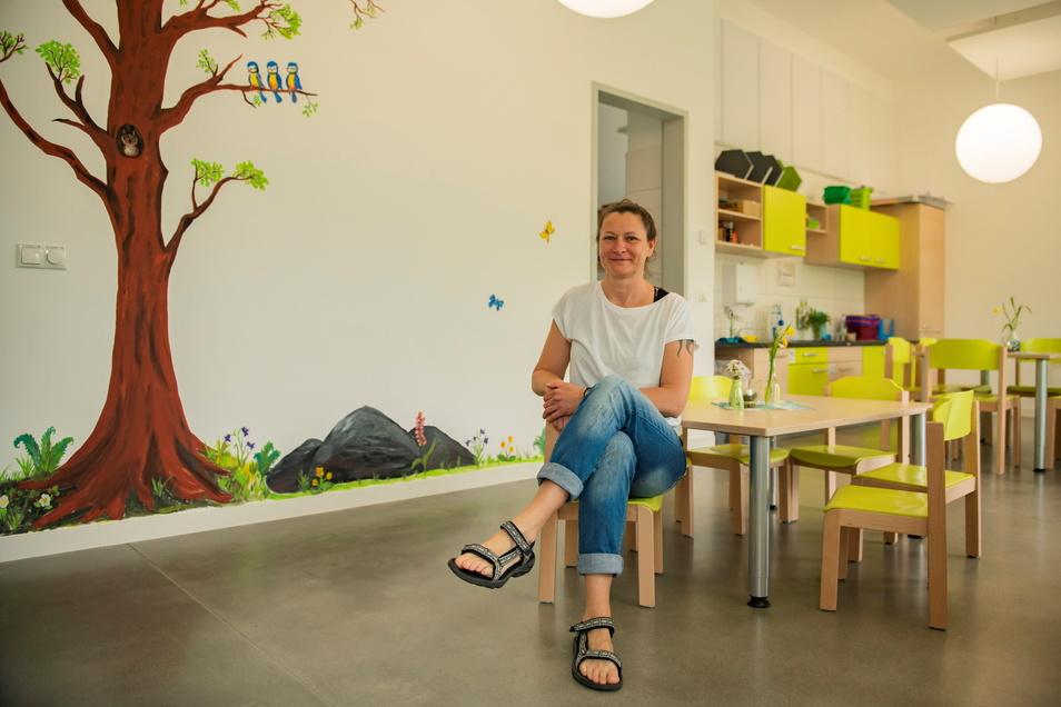 Kita-Leiterin Kathrin Zumpe im neuen Kinderrestaurant der Priestewitzer Kita Kunterbunt.