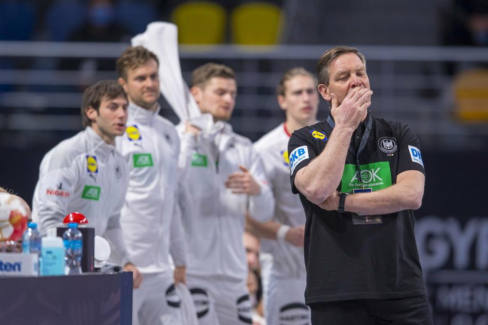 Drei Sekunden vor Schluss den entscheidenden Gegentreffer kassiert: Bundestrainer Alfred Gislason ist enttäuscht.