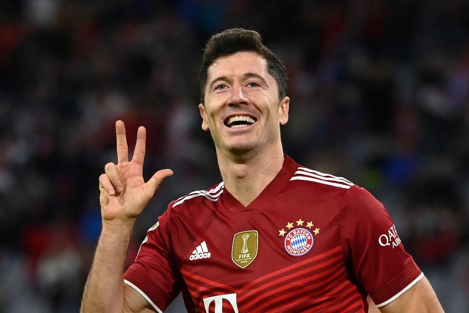 Nicht zu stoppen: Bayern Münchens Torjäger Robert Lewandowski trifft beim 5:0-Sieg gegen Hertha BSC gleich dreimal.