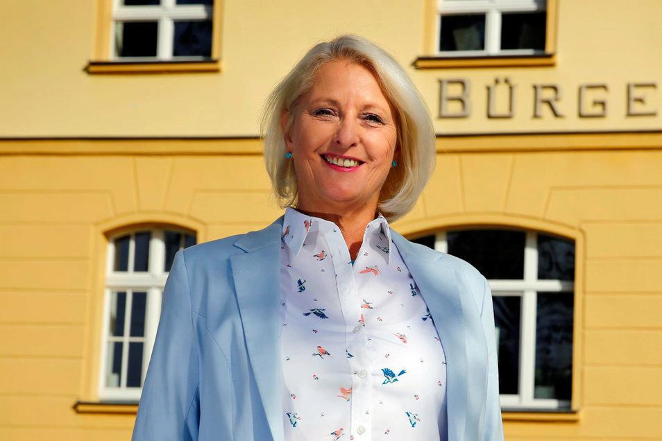 Heike Lotze (AfD) ist Rechtsanwältin mit Kanzlei in Pulsnitz. Sie kandidiert erstmals für das Amt der Bürgermeisterin in Ohorn.