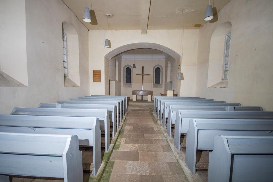 Grau in Grau: So sah die Streumener Kirche vor der Innensanierung aus. Das Foto entstand im Sommer 2017.