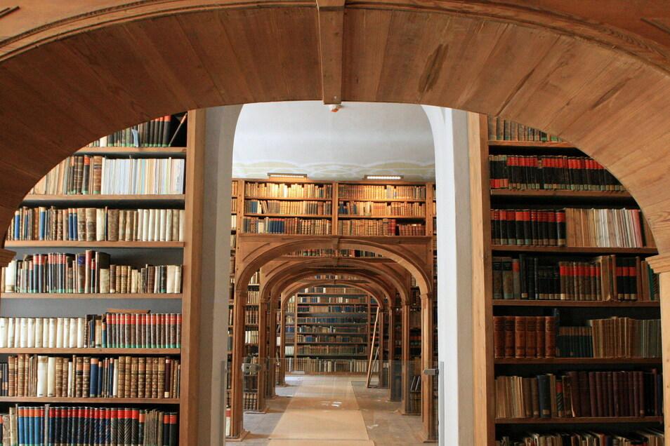 Blick in den Saal der Oberlausitzischen Bibliothek der Wissenschaften.