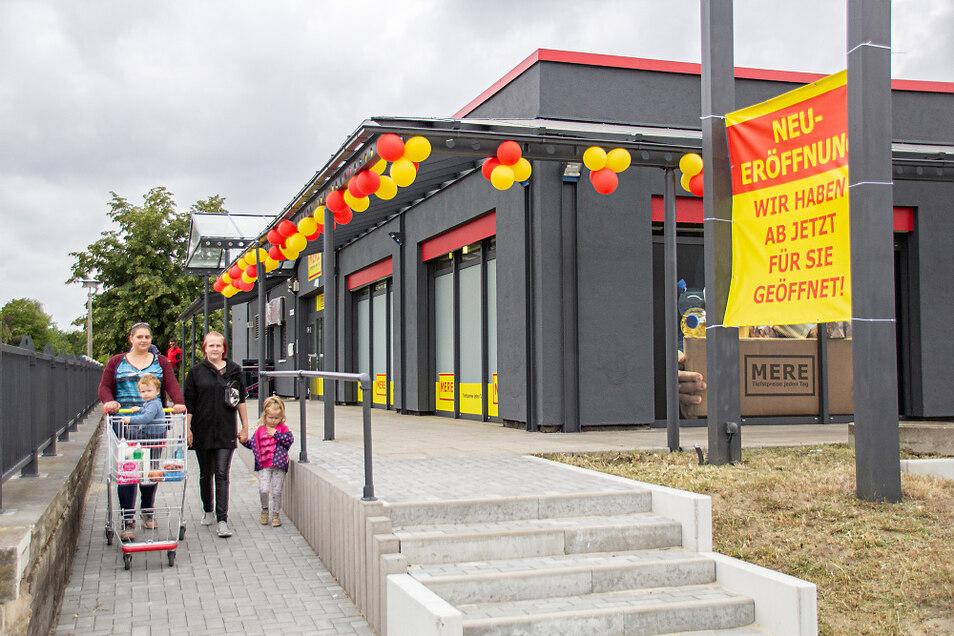 Gestern um 9 Uhr wurde der Mere-Markt in Hoyerswerda eröffnet. Schon am Vormittag nutzten viele Kunden die Chance, den neue Discounter zu besuchen.