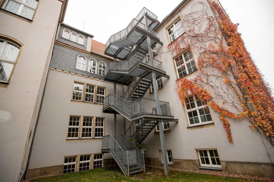 Über diese Treppe sind die Einbrecher offenbar ins Museum gelangt.