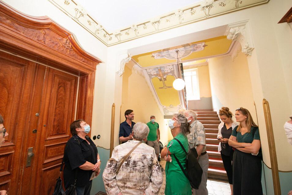 Viele Interessierte haben sich am Samstag zum Tag der Architektur dafür Interessiert, wie die Mieter die Häuser von der Vonovia gekauft und behutsam saniert haben.