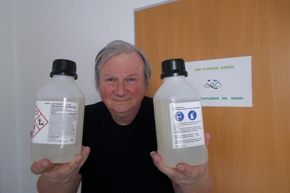 Der Altenberger Unternehmer Dr. Andreas Seidel hat mit der Produktion von Desinfektionsmitteln begonnen.