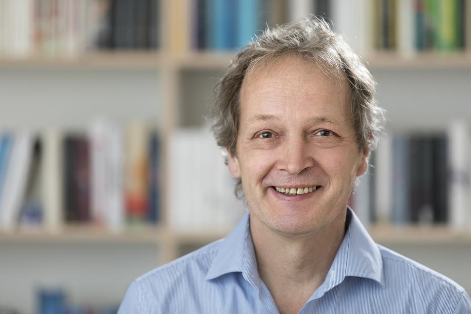 Jürgen Stellpflug (64) ist Diplompolitologe, hat bei der TAZ Journalismus gelernt und war fast 30 Jahre lang Chefredakteur der Zeitschrift Öko-Test. Seit 2018 ist er Chefredakteur von www.testwatch.de