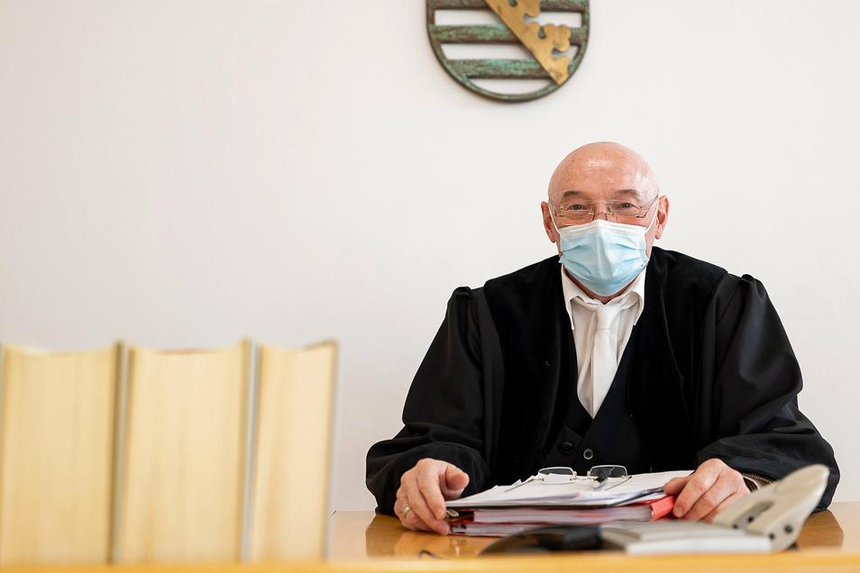 Nennt die ersten Corona-Schutz-Verordnungen eine Katastrophe: Knöllchenrichter Jürgen Uhlig. Auch er muss jetzt Maske tragen.