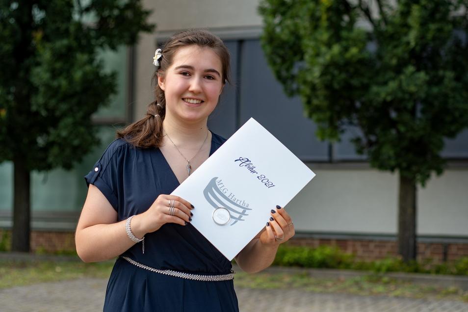 Leonie Parsiegel absolvierte am Harthaer Gymnasium den Physik-Leistungskurs. Auch Kunst war ein Lieblingsfach. Das Abitur hat sie mit 1,2 beendet. Nun möchte sie am liebsten in Leipzig Physik studieren.