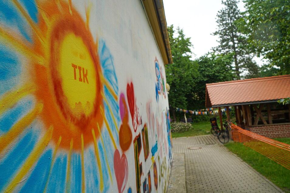Im Hof des TiK in Bautzen findet am Sonnabend ein Musikfestival statt.