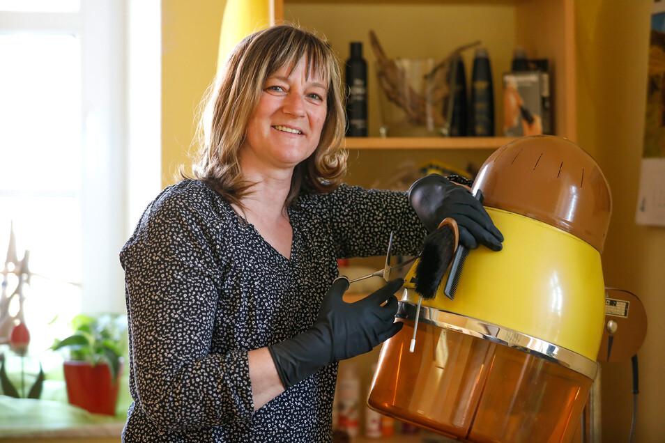 Auch Melissa Halang musste ihr Friseurgeschäft in Oberseifersdorf schließen.