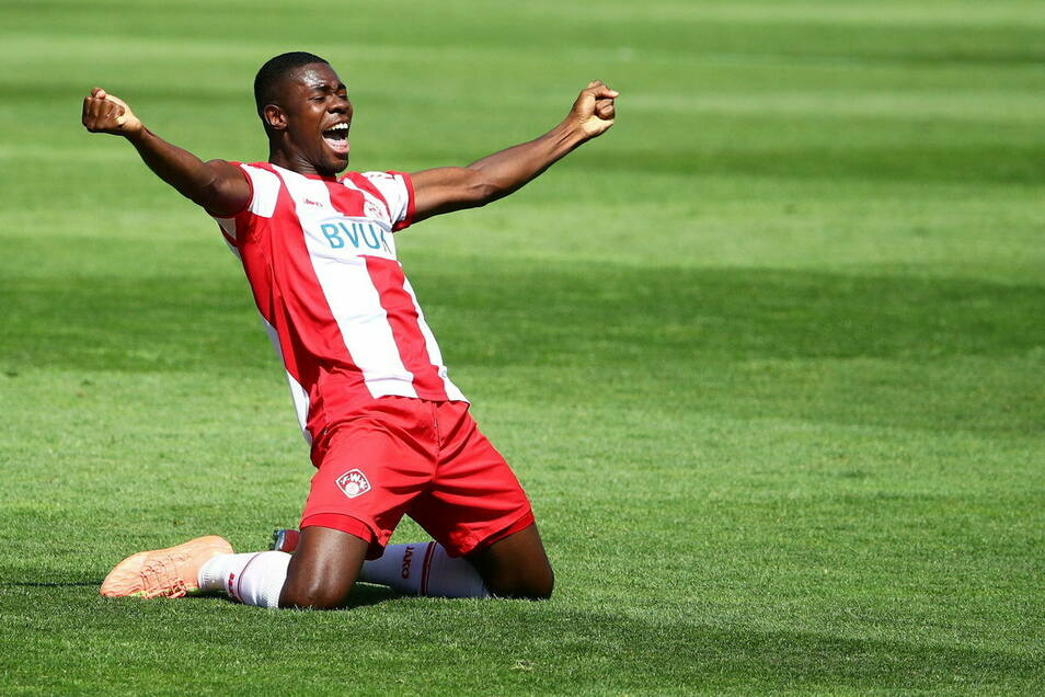 Im Juli feierte Leroy Kwadwo mit den Würzburger Kickers den Aufstieg in die zweite Liga. Kann er das mit Dynamo wiederholen?