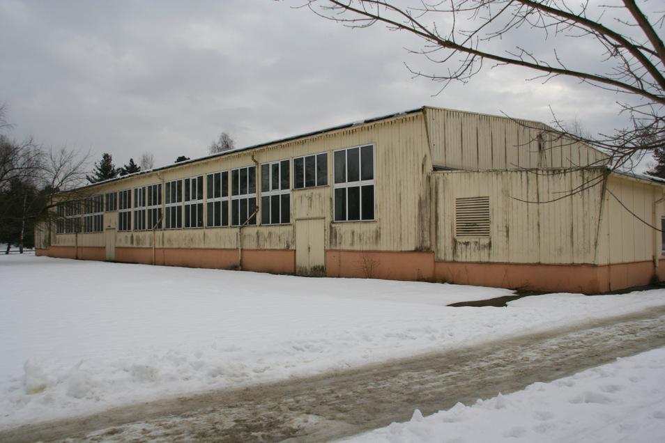 Wie es mit der Sporthalle am Freibad weitergehen soll, wenn die Grundschule an den Markt umzieht, dafür braucht es noch einen Plan.