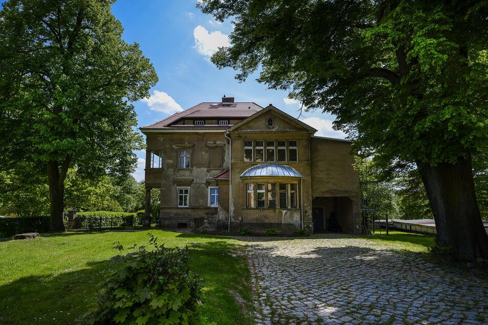 Um diese Villa in Reichenbach geht es.