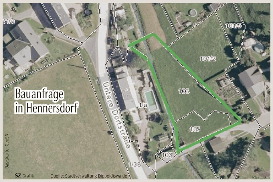 Die grün umrandete Fläche im Unterdorf von Hennersdorf ist als Baufläche ins Auge gefasst.