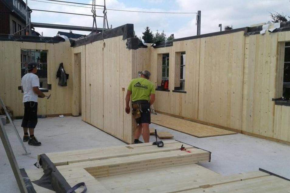 So entsteht ein Holzhaus.