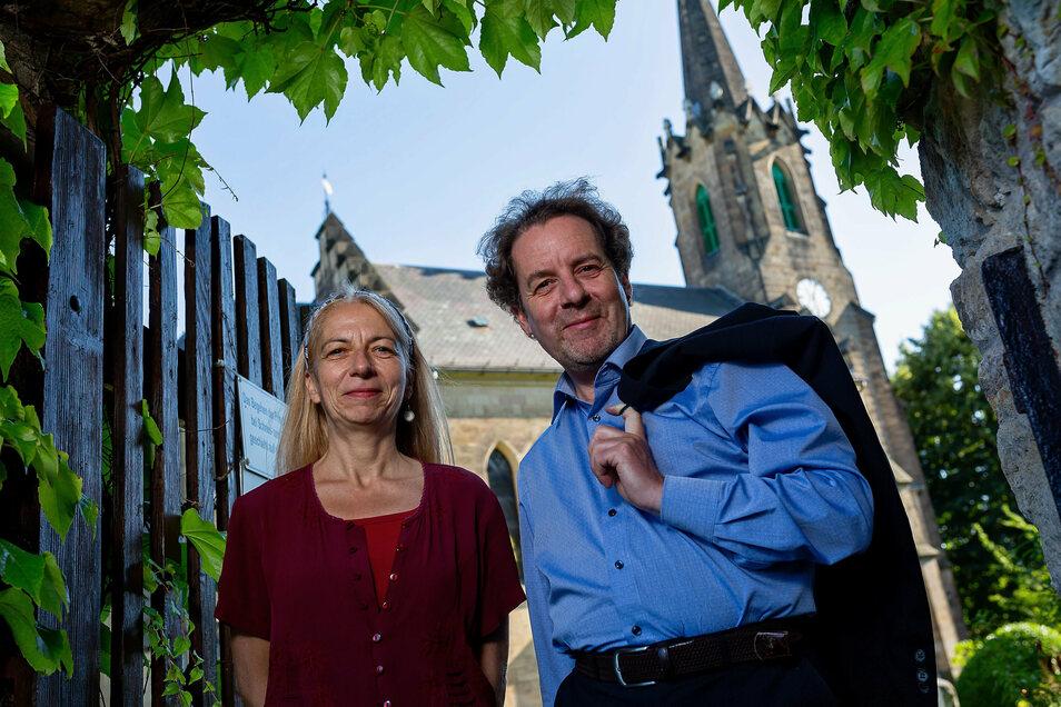 Die Kirche im Rücken - egal, wo Dorothee Fleischhack und ihr Mann Daniel Lamprecht auch hingehen. Jetzt führt sie ihr Weg von Gottleuba nach Dresden.