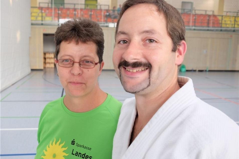 Heike und Uwe Fuhrmann aus Copitz leiten nicht nur an mehreren Wochentagen das Training in den Judo- und Sportgruppen für Kinder und Erwachsene. Das Paar stellt auch zwei der drei Mitglieder des Vereinsvorstands.