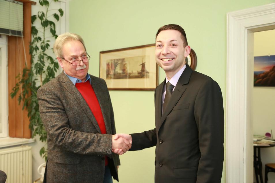 Beiden ist das Lachen vergangen: Im vergangenen Jahr hatte Lothar Seifert (l.) Christian Walter zur Wahl gratuliert. Nun sind beide zurückgetreten.