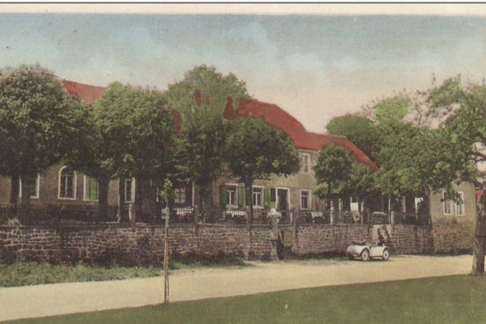 Glanzvolle Zeiten an der Kamenz-Königsbrücker Chaussee. Die Linden sind auf dieser Postkarte noch ganz jung.