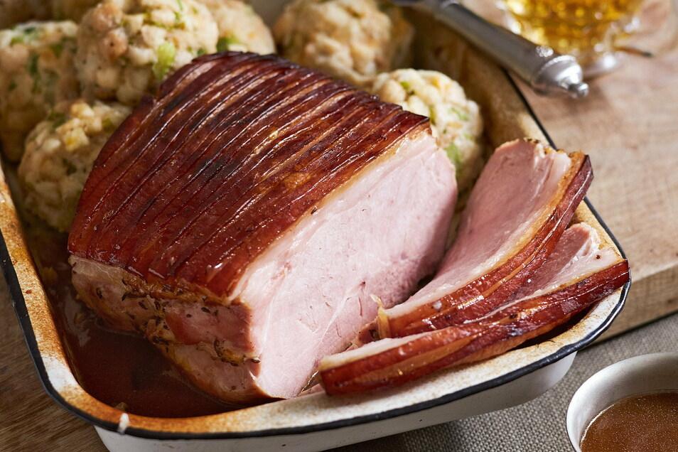Schweinebraten bleibt für viele unverzichtbar. 37 Kilo Schwein, 13 Kilo Geflügel, 10 Kilo Kalb- und Rind sowie rund 15 Kilo Fisch isst jeder im Durchschnitt pro Jahr.