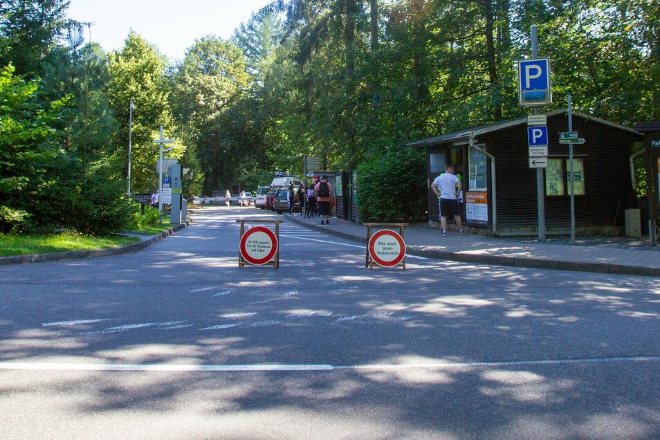 Hier müssen Autofahrer mehr bezahlen: Der Parkplatz nahe dem Basteihotel.