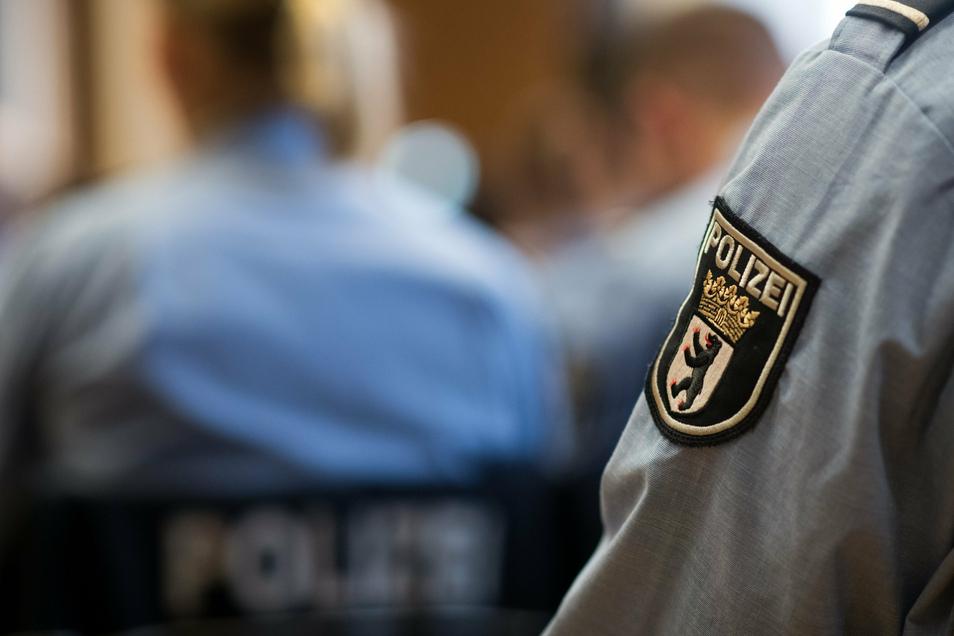 Sie wollen Polizisten im gehobenen Dienst werden. Doch nun wird gegen mehrere Studenten in Berlin ermittelt.