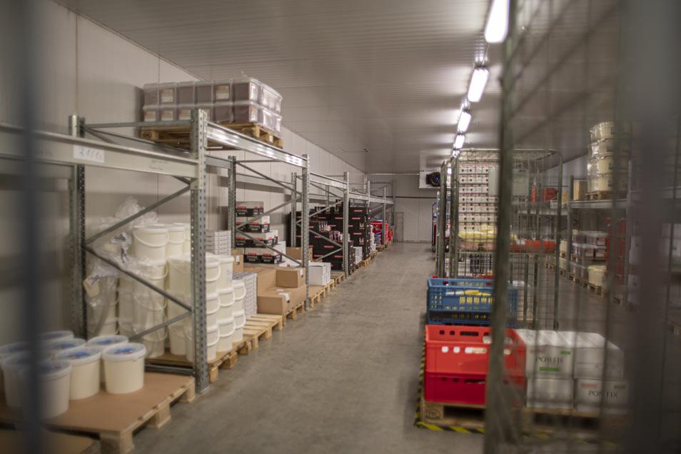 Viel Luft ist derzeit im Frischelager der Hauswalder Firma. Wegen der Absatzflaute kann das Unternehmen nicht mehr so viel Ware vorhalten, weil sonst das Mindesthaltbarkeitsdatum abläuft und die Lebensmittel unverkäuflich werden.